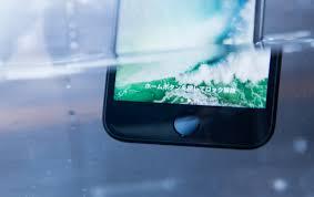 汚れたiPhoneを洗う