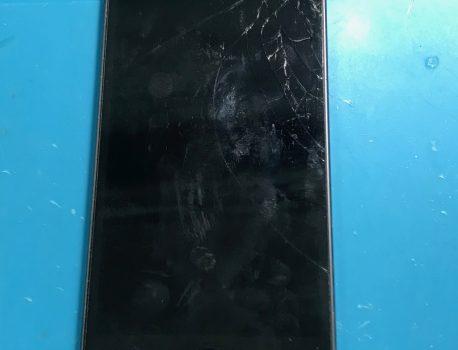 iPod touch 6 のガラス割れも画面修理で即日直しましょう!