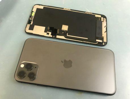 iPhone11ProMaxのガラス割れ・タッチ不良も画面修理で即日直しましょう♪
