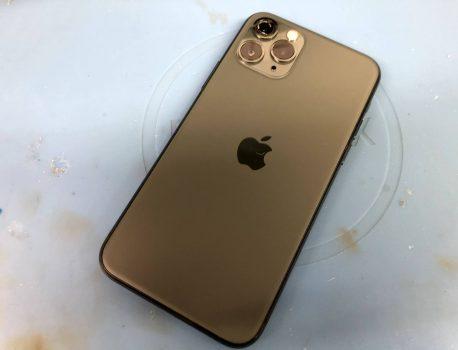 iPhone 11 Pro の カメラ レンズ割れ の 修理 も即日対応出来ます!