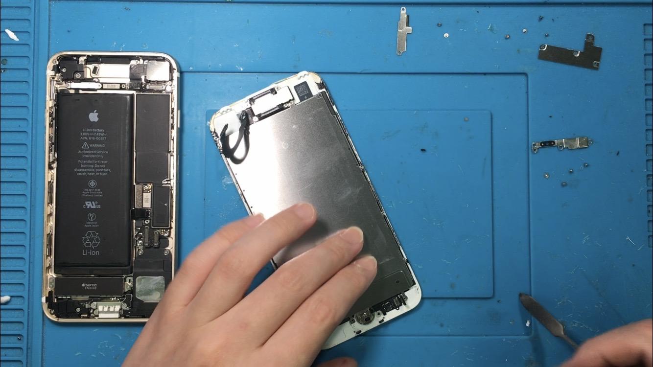 老舗修理店iPhone修理ジャパン秋葉原店は本日も営業中です。